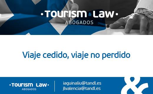 ¿Se puede ceder la condición de viajero a otra persona en el contrato de viaje combinado?